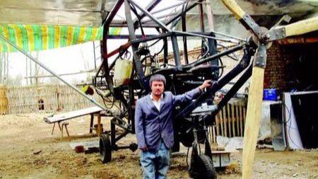 当中国农民造飞机时,外国人在干什么?