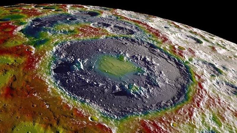 都盯上了月球南极,那么南极到底发现了什么?
