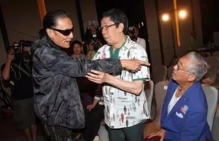 80岁的增江为什么和谢贤打架?