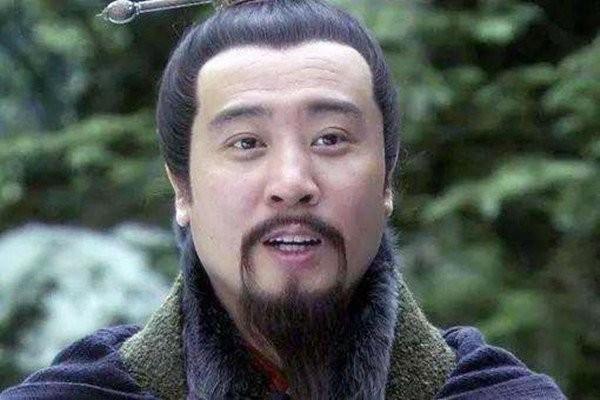一个人坑赵云,害关羽,让刘备差点亡国,诸葛亮为何还能百般容忍?