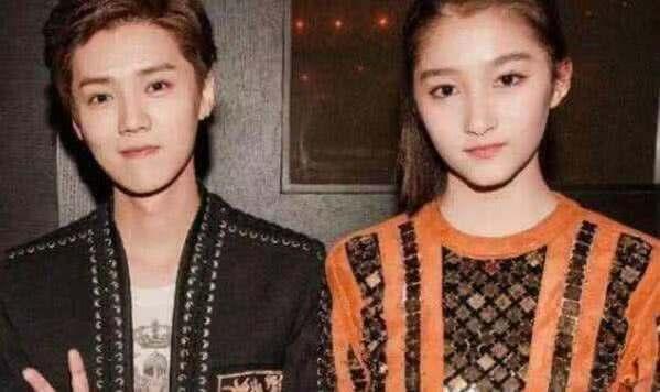 鹿晗和关晓彤当初是怎样相恋的?