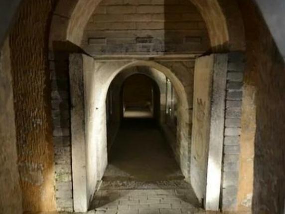 「公墓里有灵异事件吗」皇帝的陵墓有很多,为什么乾隆的陵墓发生了两次灵异事件?
