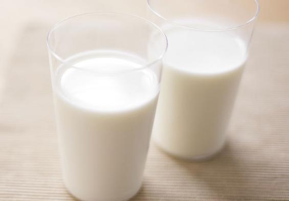 纯牛奶过期十五天还能喝吗