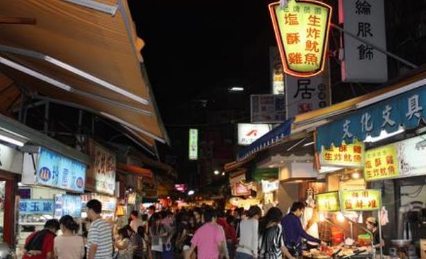 韩国女孩来中国旅游表面上是来购物的,真实的目的是什么?