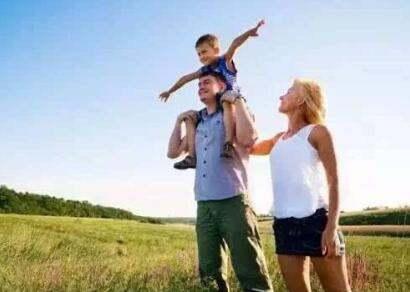 该不该带着孩子全世界旅游?(婆婆该不该帮忙带孩子)