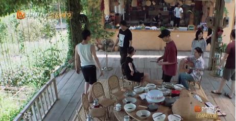 《向往的生活》中许光汉吃五碗米,是率真还是不注意形象?
