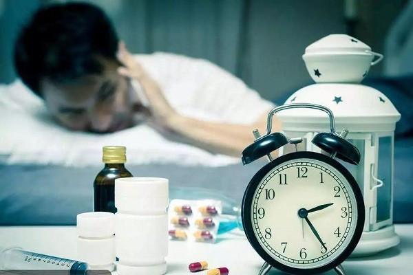 失眠睡不着,哪些方法专治失眠,躺下就睡着,不再依赖安眠药?