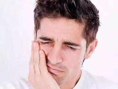 洗牙伤不伤牙,为什么洗牙之后容易牙齿敏感?