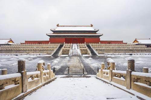 为什么故宫下雪后,管理员都要纠结要不要扫雪?