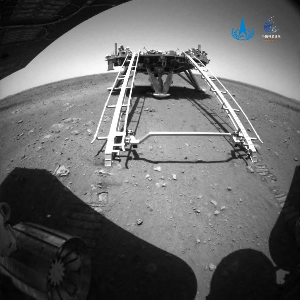 祝融号火星漫游车成功在火星移动,火星上的漫游车有多少?
