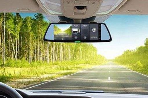 有哪些值得推荐的行车记录仪?
