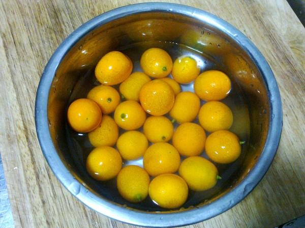 整个桔子煮白糖的做法