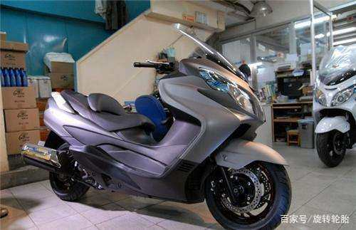 为什么踏板摩托车很少有装边箱的?