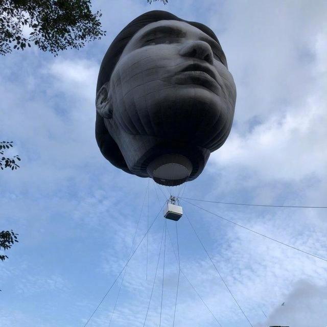 奥运会预热,东京上空出现6层楼高巨脸,可为什么我们会害怕呢?