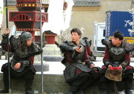 去浙江横店影视城当群众演员需要什么。(浙江横店影视城当演员)