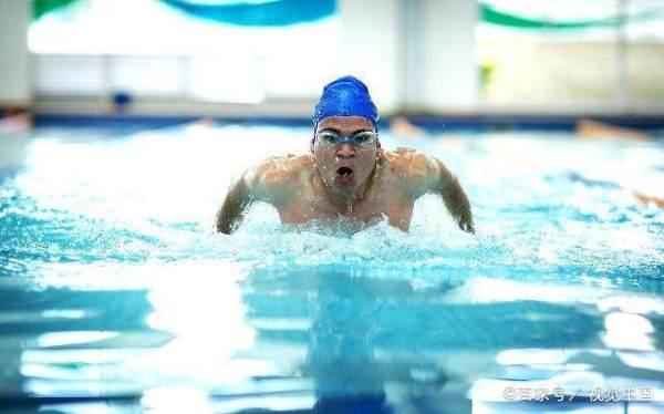 现在很多小朋友学游泳,为什么都要从蛙泳开始学习的呢?