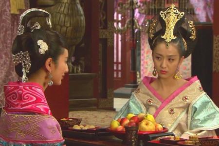 """姐姐会""""吊""""君王胃口,为何还要将漂亮的妹妹献给君王,这样岂不是失宠?"""