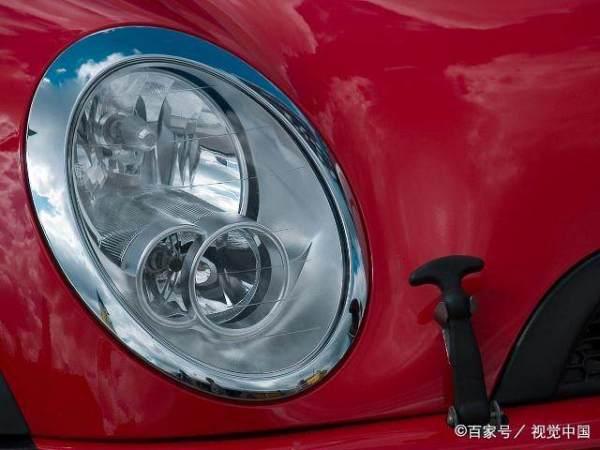 为什么汽车大灯在好多汽修店都不能调节灯光高低?