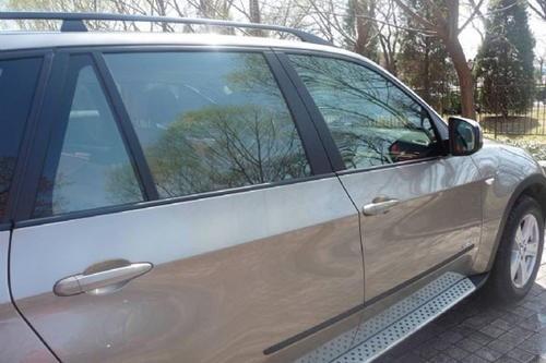 一般汽车贴膜多少钱?