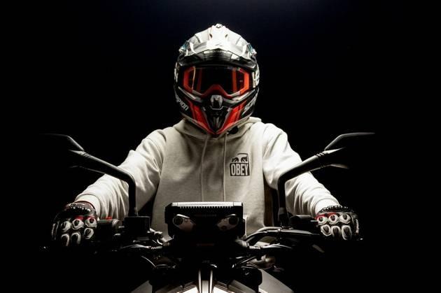 头盔是如何在车祸事故中保护我们的