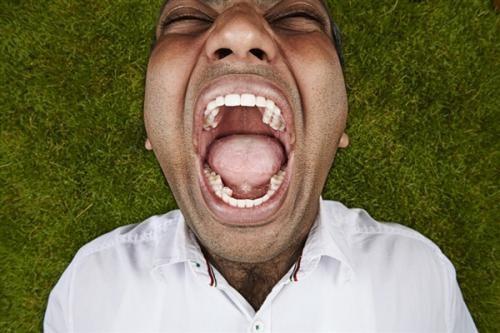 牙齿上的污垢为什么刷牙刷不掉?