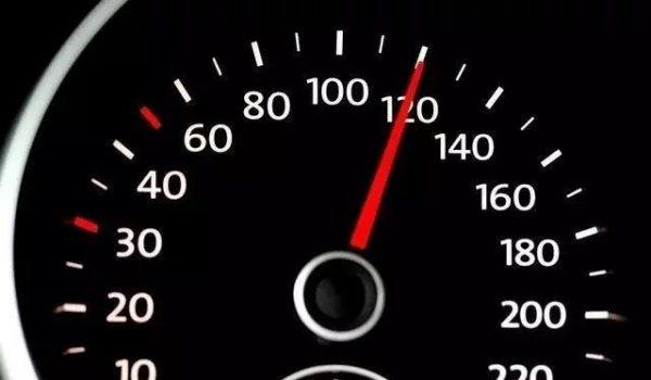 高速上自己的车跑120,为什么还有人超车?