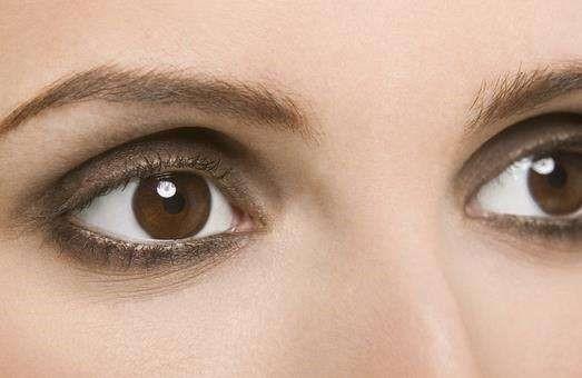 黑眼圈怎么样消除