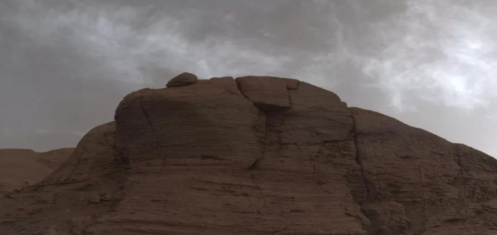 """好奇号火星漫游车发现""""火星彩云"""",火星和地球非常相似?"""
