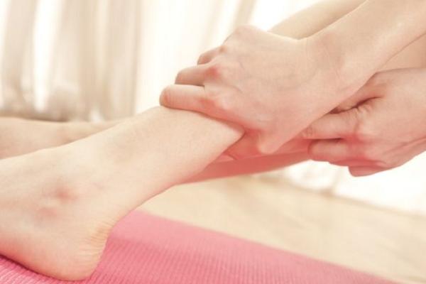 痛风发作时,按摩哪些穴位有效减轻痛苦?
