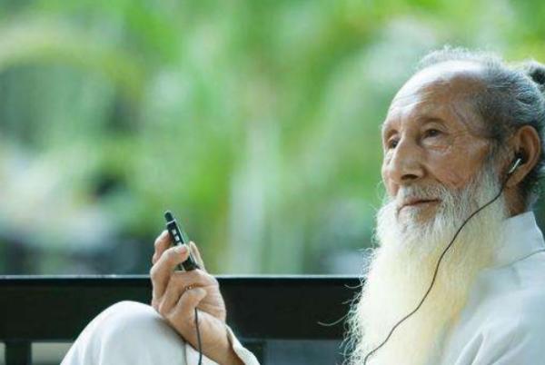 历史上,李庆远娶24位妻子,生育子女180人,活到256岁,真的是这样吗?