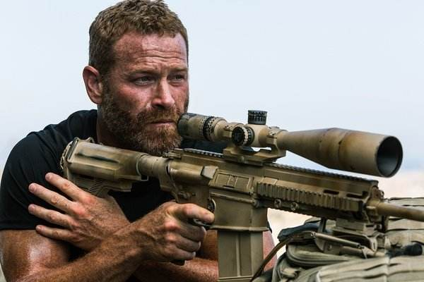 狙击手为什么要给加狙击枪缠上旧布条,有什么作用?