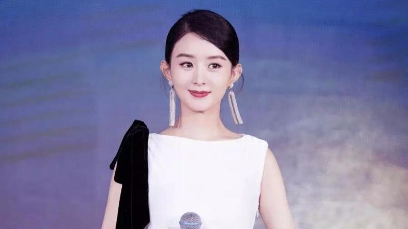 """赵丽颖复出却遭群嘲:女性的魅力,就只有""""少女感""""吗?"""