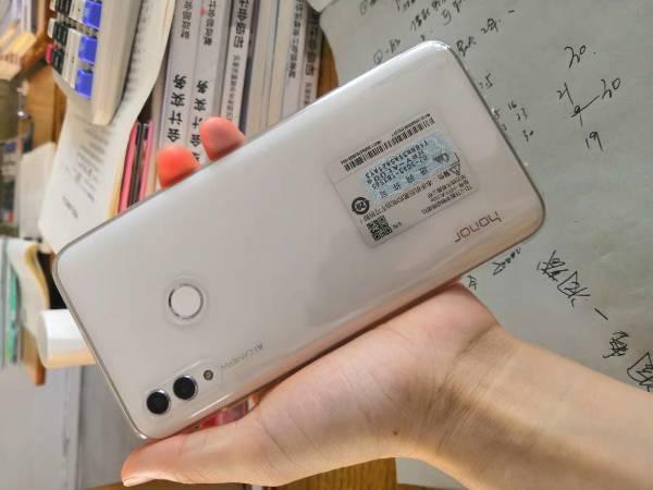 华为1000左右手机哪款好,求推荐?