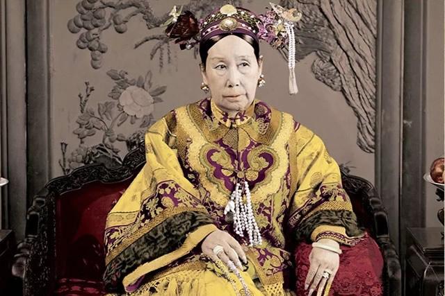 光绪皇帝亲政近10年,为什么还是斗不过慈禧太后?