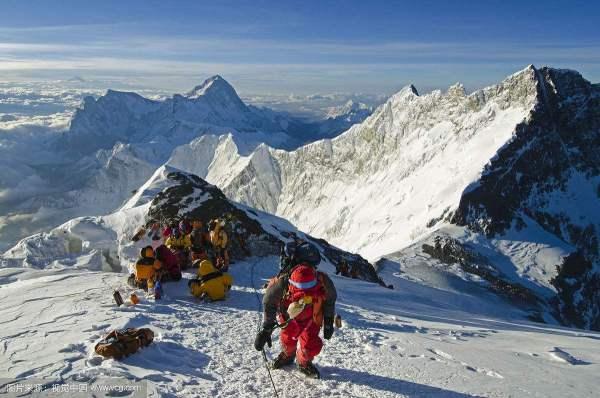 珠峰上的300多具遗体大都有名有姓,为什么没有国家和家属认领?