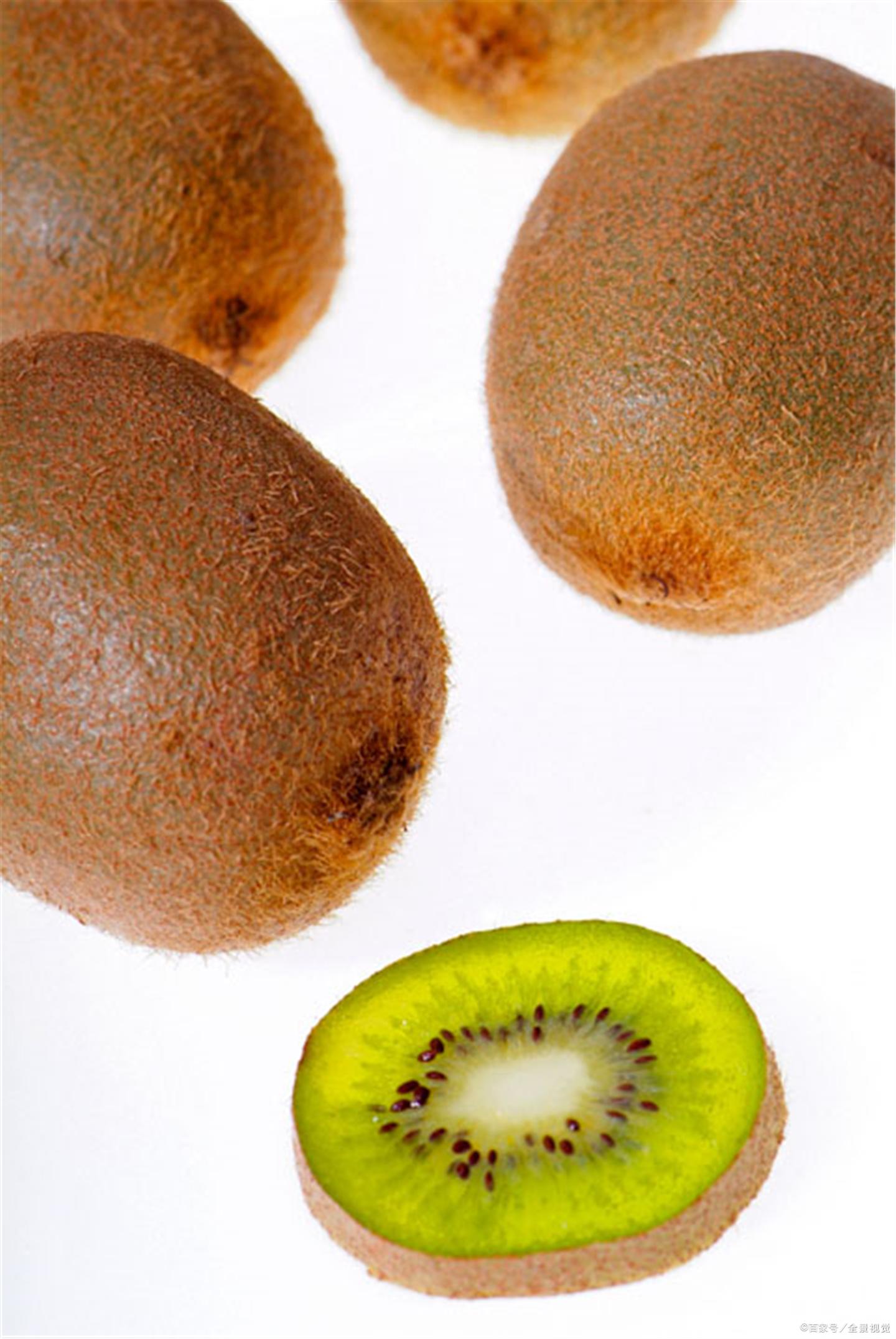 猕猴桃维生素含量高,哪些人群不能多吃呢?(猕猴桃含维生素c多吗)