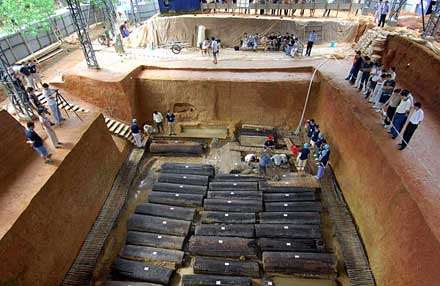 江西靖安李洲坳东周墓葬的考古发现