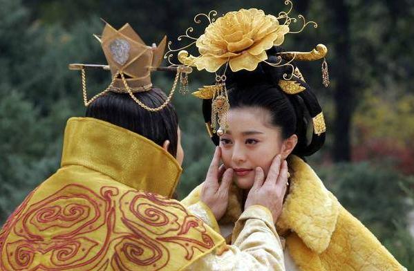 杨贵妃并没有插手任何政事,为什么后世称之为红颜祸水?