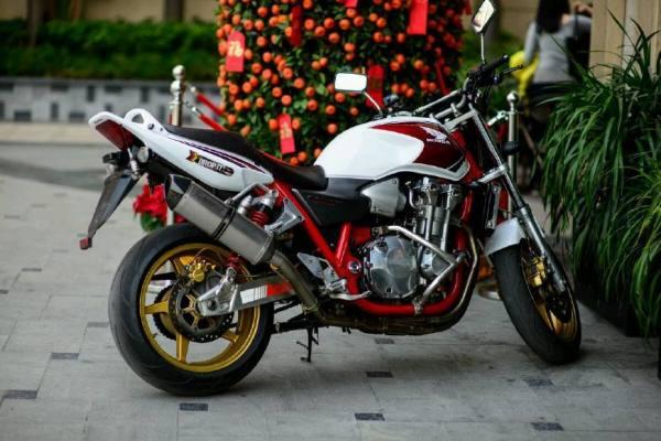 1.5万都有哪些摩托车可以进行藏区旅游呢?