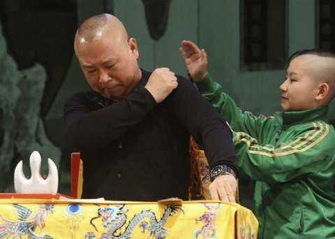 陶阳作为一代京剧神童,为何拜师郭德纲说相声了,其实原因很简单?