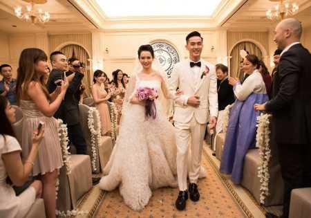 戚薇李承铉夫妻甜蜜对视爱意满满,他们经常以怎样的方式撒狗粮?