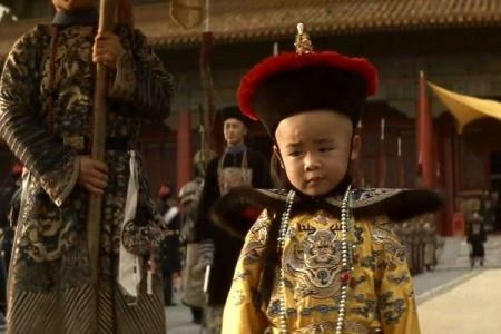 溥仪退位之后闲逛故宫,意外发现雍正密诏,解开了清朝的什么秘密?