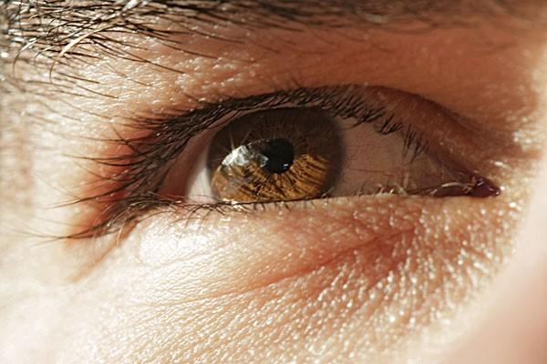 日本专家说瞳孔能暴露人的位置,可信度有多高?