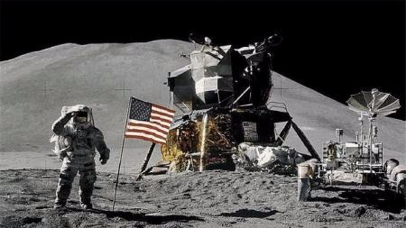 上个世纪美国的载人登月是真的吗?