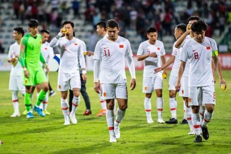巅峰未开始已结束!02年世界杯之后,国足的成绩为何越来越差?