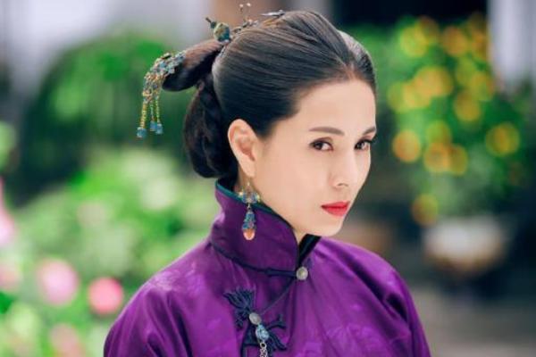 穿旗袍雍容大气,却依旧少女,李若彤的民国造型究竟是怎样的?