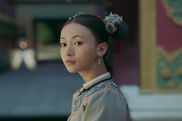 令贵妃那么得宠,为什么她的父亲会因为富察皇后的葬礼被打80大板?