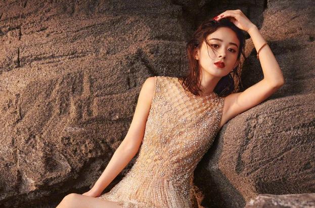 赵丽颖产后现身北京机场,她是真的要复出了吗?