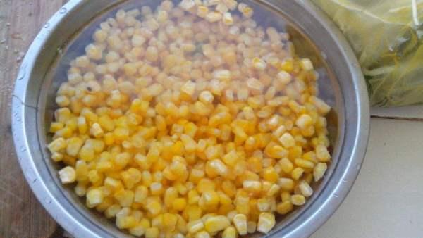 玉米用什么泡来钓鲤鱼效果最好?