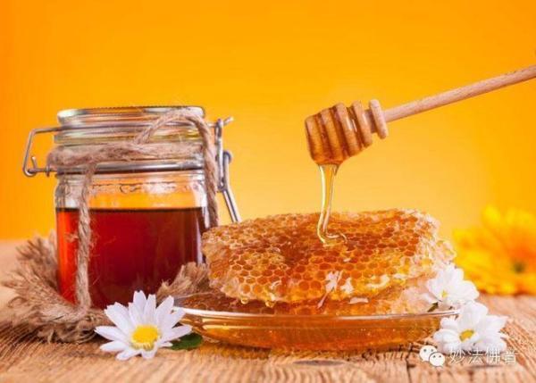 怎样用蜂蜜美容,蜂蜜美容方法有哪些?